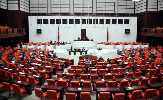 Fark ücretle ilgili kanun tasarısının Plan ve Bütçe Komisyonunda kabul edilmesi konulu habe