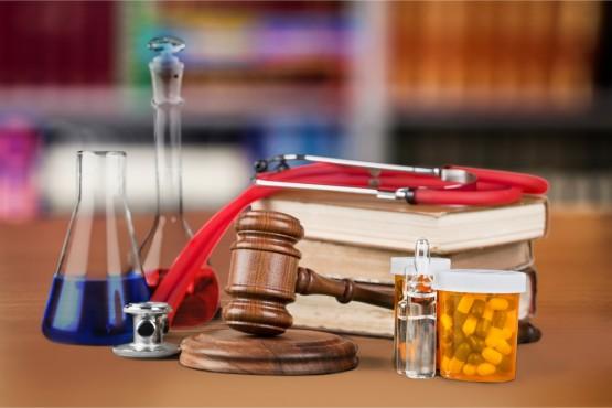İstanbul Barosu'nun Tıbbi Kötü Uygulamaya İlişkin Zorunlu Mali Sorumluluk Sigortası Uygulamaları Paneli