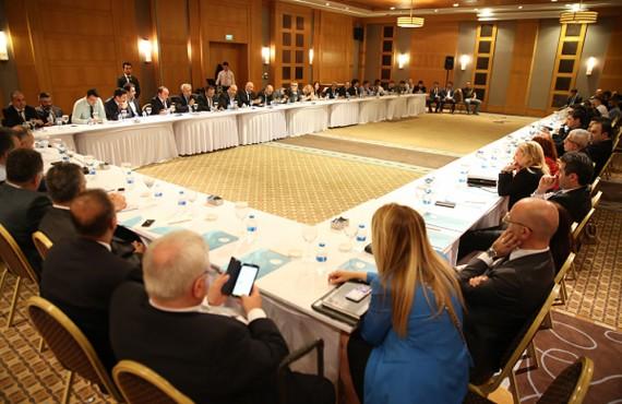 Çalışma Bakanı Süleyman Soylu ve SGK Başkanı Mehmet Selim Bağlı ile SGK  yetkilileri OHSAD Kurultayında
